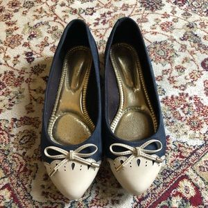 Shoes - Cute pointed flats